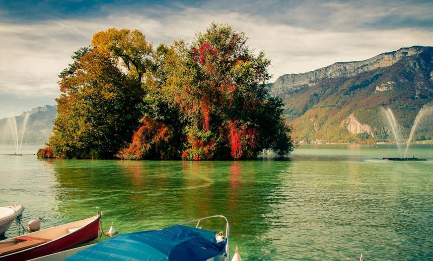 Le lac d'Annecy en plein été