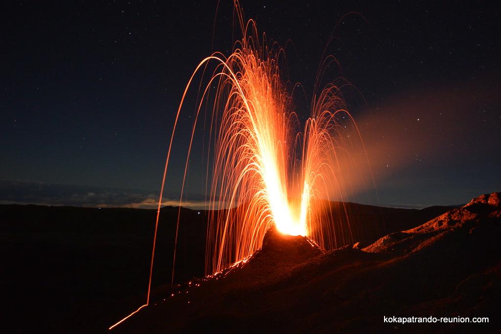 photos-actus-dernieres-news-images-eruption-piton-de-la-fournaise-11-fevrier-2015-kokapat-rando-volcan-reunion-rudy-coulee-laveJPG(43)