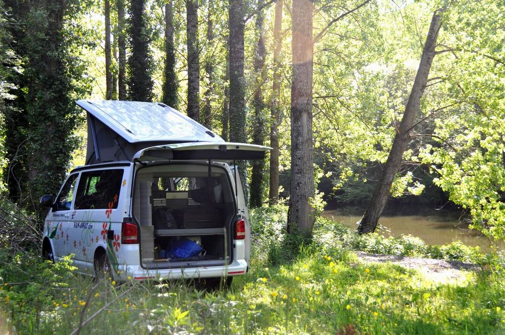 VAN-AWAY_roadtrip_camper_van_amenage_aveyron_11